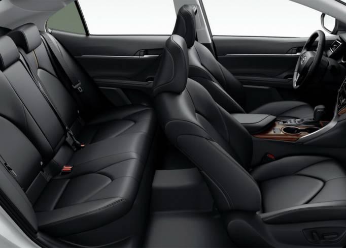 SkyRent предлагает на взять на прокат Toyota-Camry-V70-2.5 2018  в Крыму